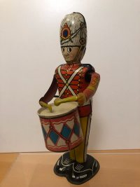 Tinplate-Clockwork-Drumming-Soldier-Figure